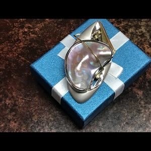 Jewelry - 750/925 18k yellow gold/ sterling abalone pendant